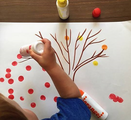 do a dot tree craft