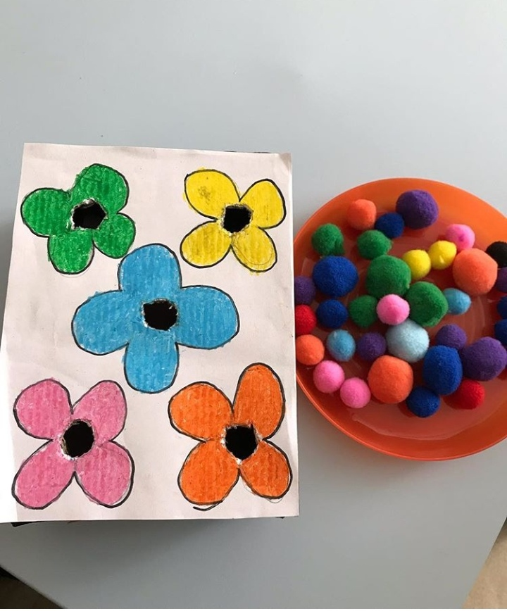 flower color activity with pom poms