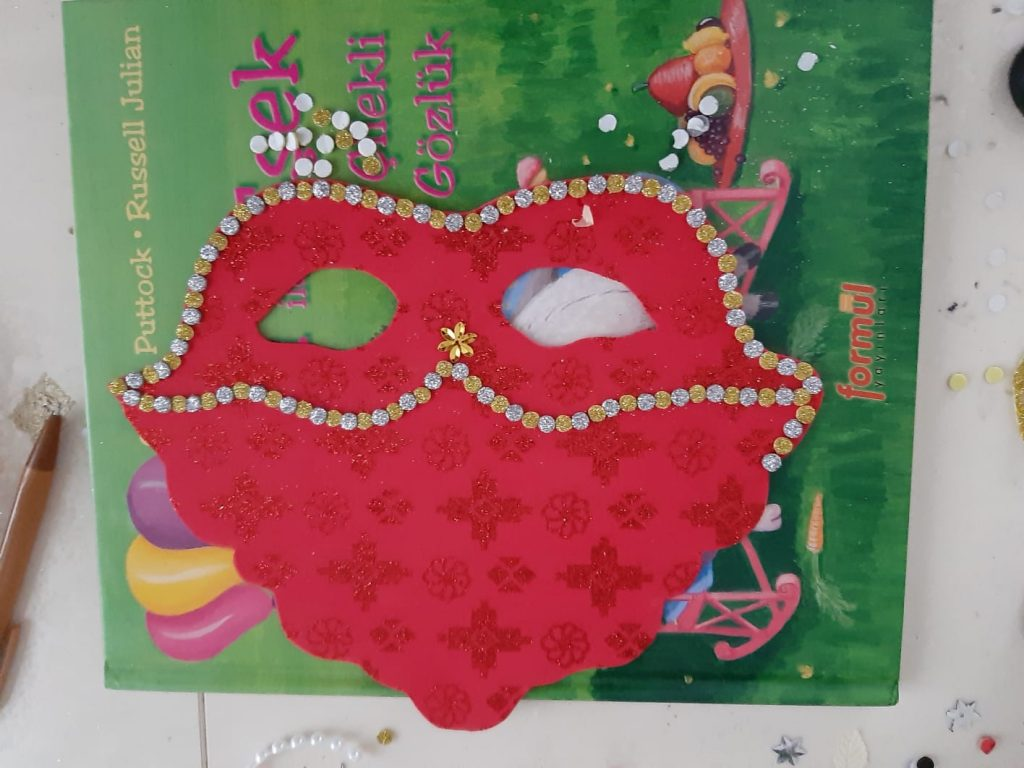 princess face mask activity for party
